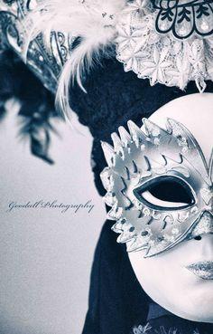 Halftone https://www.facebook.com/goodallphoto #mask, #masquerade, #masqueradeball, #venice, #venicemask, #venicemasquerade, #ball, #venicemasqueradeball, #man, #face, #masked, #art, #monochrome