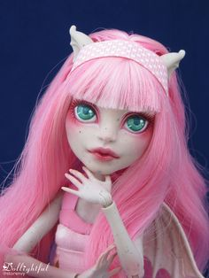 Sunday Rochelle Ooak Doll by Dollightful! Custom Monster High Dolls, Monster High Repaint, Custom Dolls, Ooak Dolls, Blythe Dolls, Art Dolls, Rochelle Goyle, Pink Cotton Candy, Doll Painting