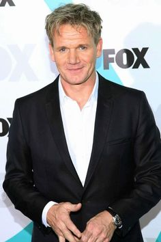 We love an older man, but an older man that can cook like Gordon Ramsay? Beautiful Boys, Gorgeous Men, Beautiful People, Celebrity Pictures, Celebrity Style, Celebrity Chef, Chef Gordon Ramsay, Tv Chefs, Gordon Ramsey