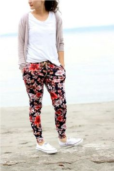 How to wear floral pants – Just Trendy Girls