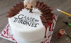 Game of Thrones Red Velvet Cake
