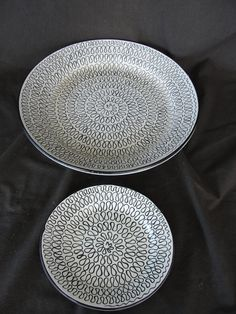 2 Mid Century Modern Italian Pottery Plate Charger Italy TL Black and White