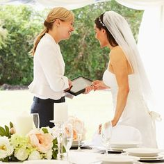 When you start planning a wedding, you may be tempted to enlist in the help of a wedding planner or a wedding coordinator. The Wedding Planner, Formation Wedding Planner, Wedding Planning Tips, On Your Wedding Day, Wedding Tips, Wedding Bride, Wedding Planners, Event Planners, Star Wedding