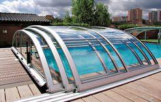 Retractable pool enclosure