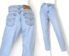 Size 6 / 7 L 90s Levis 550 High Waisted Mom Jeans - Vintage Stone Washed Light Blue Tapered Loose Relaxed Fit Womens Jeans - 28 Waist