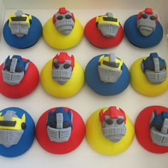 Transformer cupcakes 4 Transformers Cupcakes, Transformer Party, Balloons, Party Ideas, Box, Birthday Sheet Cakes, Crack Cake, Party, Globes