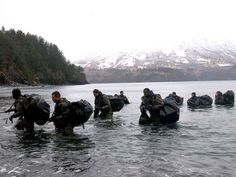 Navy SEALs possess extraordinary mental toughness.