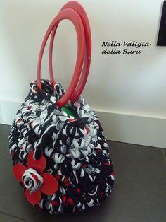 Nella valigia della Buru: Tutorial borse in fettuccia fai da te: come ottenere fondi rigidi utilizzando una tovaglietta americana!!