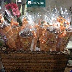 Aniversário no tema Festa Junina  como fazer uma mesa de doces especial  (gastando pouco!) d05eedd9dd7