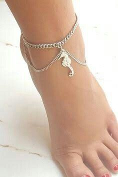 25 ideas tattoo arm band women sterling silver for 2019 Ankle Jewelry, Cute Jewelry, Body Jewelry, Jewelry Accessories, Fashion Accessories, Foot Bracelet, Anklet Bracelet, Bijoux Design, Schmuck Design