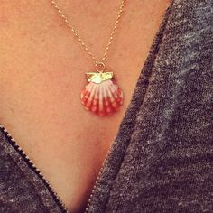 sunrise shell necklace. I like how they set this.