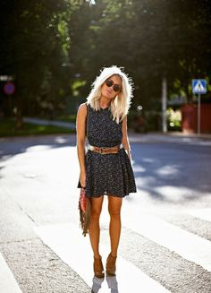 Brown Ankle Boats Outfit Fall Floral Dresses 40 Ideas For 2019 Passion For Fashion, Love Fashion, Fashion Beauty, Fall Outfits, Fashion Outfits, Vestido Casual, Mode Vintage, Look At You, Mode Inspiration