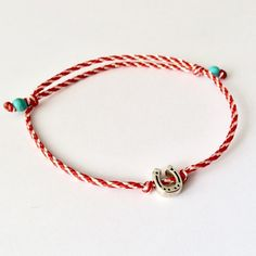 Μάρτης με πέταλο Handmade Accessories, Handmade Jewelry, Teen Trends, Jewelry Patterns, Ring Bracelet, Diy Costumes, Friendship Bracelets, Headbands, Diy And Crafts
