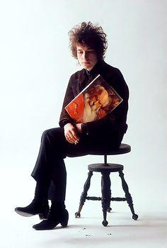Bob Dylan / photo by Jerry Schatzberg, 1965.
