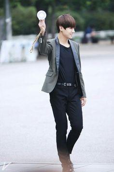 Kim Taehyung - V     THIS CHILD IS SO PRECIOUS! OMO! LOOK AT HIM! SO CUTE! ❤️