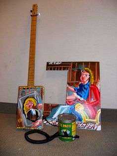 A hot sauce can makes a wonderful guitar amp, especially for a cigar box guitar! Recycled Art Projects, Craft Projects, Recycling Projects, Craft Ideas, Cigar Box Guitar, Vintage Sewing Machines, Build Something, Guitar Design