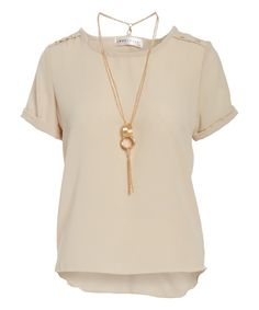 Get ready and out of the door in a jiff with this versatile top with a coordinating necklace that pulls your look together.
