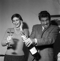 Walter Chiari festeggia il Capodanno 1954 con Lucia Bosè - tratta dal libro Walter Chiari, un animale da palcoscenico di Michele Sancisi, Mediane editore