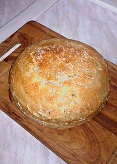 Další levný recept Ládi Hrušky, tentokrát na chutný domácí chléb. Pan Bread, Bread Baking, Bread And Pastries, Food To Make, Dairy, Food And Drink, Cheese, Homemade, Cookies