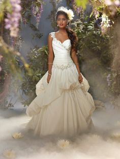 LOVE this Disney Princess Tiana inspired wedding gown