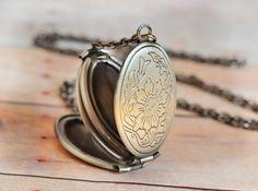 Locket US SHIPS TOMORROW Silver Locket Jewelry Gift Antique Locket Graduation Gift Necklace Pendant Limonbijoux