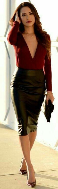 Stunning leather skirt look