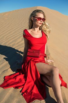 Stand out with solid bold colors—as shown against the Glamis sand dunes Merino Wool Sweater, Wool Sweaters, Leather Camera Bag, Valley Girls, Rosetta Getty, Bold Colors, Silk Dress, San Diego, Spring Fashion