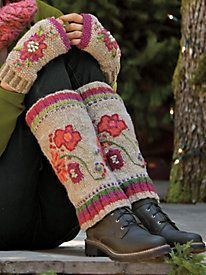 Give your Boots a brand new look. Shop Women& Handknit Boot Sweaters: Colorful wool, fair-trade crafted in Nepal. Sweaters And Leggings, Cozy Sweaters, Mori Girl Fashion, Women's Fashion, Wool Embroidery, Outfits With Hats, Fashion Advice, Latest Fashion Trends, Hand Knitting