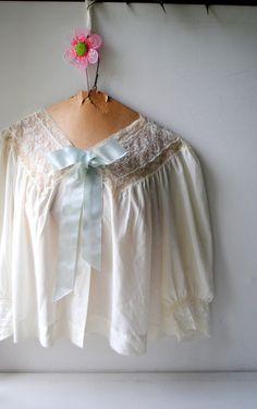 dd337494470 Victorian style vintage white nylon-dacron-rayon bed