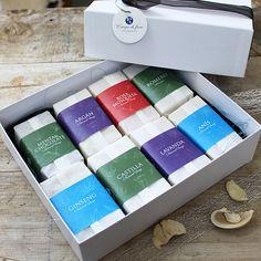 "Caja regalo Jabones naturales ""I Love soaps"" Me encantan los jabones naturales, si a ti también seguro que no podrás dejar pasar esta caja super completa y aromática de jabones naturales."