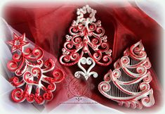 Royal Icing Christmas Trees in Red and White by Anikó Vargáné Orbán