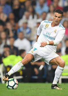 Real Madrid's forward from Portugal Cristiano Ronaldo controls the ball during the Spanish league football match Real Madrid CF against Real Betis at the Santiago Bernabeu stadium in Madrid on September / AFP PHOTO / GABRIEL BOUYS Soccer Stars, Soccer Boys, Nike Soccer, Soccer Cleats, Real Madrid Soccer, Barcelona Soccer, Fc Barcelona, Real Madrid Manchester United, Cristiano Ronaldo Lionel Messi