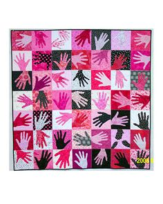 Handprint Quilts are such a wonderful keepsake and make the sweetest gift idea. Check out this End of the School Year, Love, & Friendship Quilts. Group Art Projects, Collaborative Art Projects, Classroom Projects, Art Classroom, Sewing Crafts, Sewing Projects, Footprint Art, Art Auction, Auction Ideas