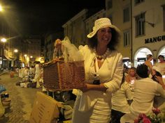 """""""DI PUNTO IN BIANCO 2013"""": the total white dinner experience. www.dipuntoinbianco.udine.it"""