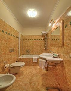 The Junior Suite bathroom with bath