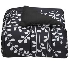 A classy comforter, which, regardless of the lack of sleep you'll get, is totally important. #DreamDormOCM