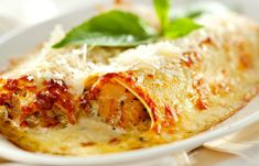 Beef Cannelloni with Bechamel Sauce - The Foodie Dad Italian Marinade For Chicken, Chicken Marinade Recipes, Chicken Wing Recipes, Pasta Recipes, Cooking Recipes, Foods To Eat, I Foods, Bechamel Sauce, Mexican Food Recipes