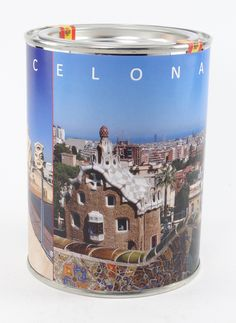 Canned air from #Barcelona for only €6,95. I love it!!!! #spain #can #cannedair #can #air #spanje #love #humor