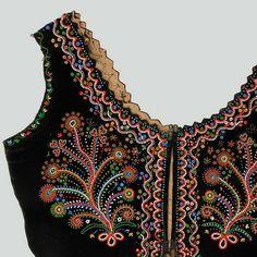 Woman's bodice of black velvet decorated with beads.  Lachy Sądeckie, Gostwica, P. Nowy Sącz, 1920s