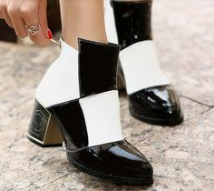 Classics Look Color Block Back Opening Chunky Heel Ankle Boots