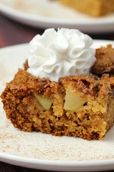 Light and fluffy vegan apple cake with a cinnamon sugar topping. Packed with fresh apple flavor and absolutely divine served warm with vegan whipped cream. Vegan Apple Cake, Vegan Lemon Cake, Fresh Apple Cake, Vegan Cake, Healthy Apple Cake, Fresh Apples, Apple Dessert Recipes, Apple Recipes, Vegan Recipes