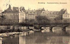 1913 , Most królowej Jadwigi a za nim budynek Dyrekcji Pruskiej Kolei Wschodniej. Barcelona Cathedral, Poland, Building, Bridge, Travel, Historia, Viajes, Buildings, Bro