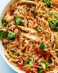 Chicken Stir Fry with Rice Noodles is an easy and delicious weeknight meal loaded with healthy ingredients. A one-pan, 30 minute chicken stir fry recipe. (recipes with chicken stir fry) Healthy Chicken Recipes, Asian Recipes, Cooking Recipes, Healthy Noodle Recipes, Recipe Chicken, Healthy Chicken Stir Fry, Weeknight Recipes, Chicken Noodle Recipes, Easy Recipes