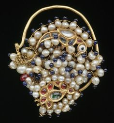 India | Nose ornament (nath); gold, pearls, rock crystal and coloured glass | 19th century