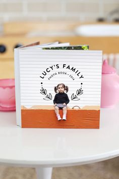 DIY Photo Albums - Family Photo Board Book - Easy DIY Christmas Gifts for Grandparents, Friends, Him or Her, Mom and Dad - Creative Ideas for Making Wall Art and Home Decor With Photos Album Design, Book Design, Cover Design, Foto Gift, Mini Albums, Diy Instagram, Album Digital, Family Boards, Make A Family
