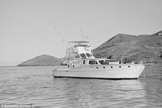This is the yacht Splendor on which Natalie and Wagner came to Catalina for the holiday weekend. Natalie's body was found floating 200 yards off Blue Cavern Point (to the rear of the yacht) after she was reported missing