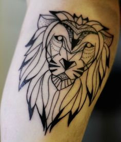 geometric look lion tattoo 25 beautiful lion tattoo on finger