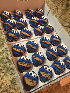 Made Cookie Monster cupcakes for a Birthday party 1st Birthday Cupcakes, Cupcakes For Boys, Baby Boy Birthday, Birthday Cookies, 2nd Birthday, Baby Boy Cupcakes, Festa Cookie Monster, Cookie Monster Cupcakes, Elmo Cupcakes