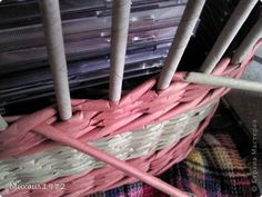 Поделка изделие Плетение Овальный туесок Трубочки бумажные фото 14
