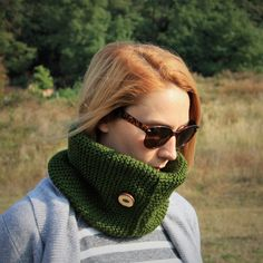 Green Women Hand Knitted Neckwarmer With Handmade by RUKAMIshop